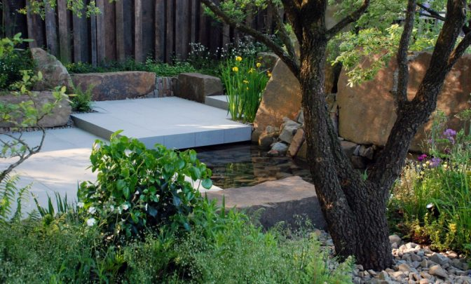 Pool-and-Forest-Pennant-paving-MG-Garden-2016-Lisa-Cox-1024x685